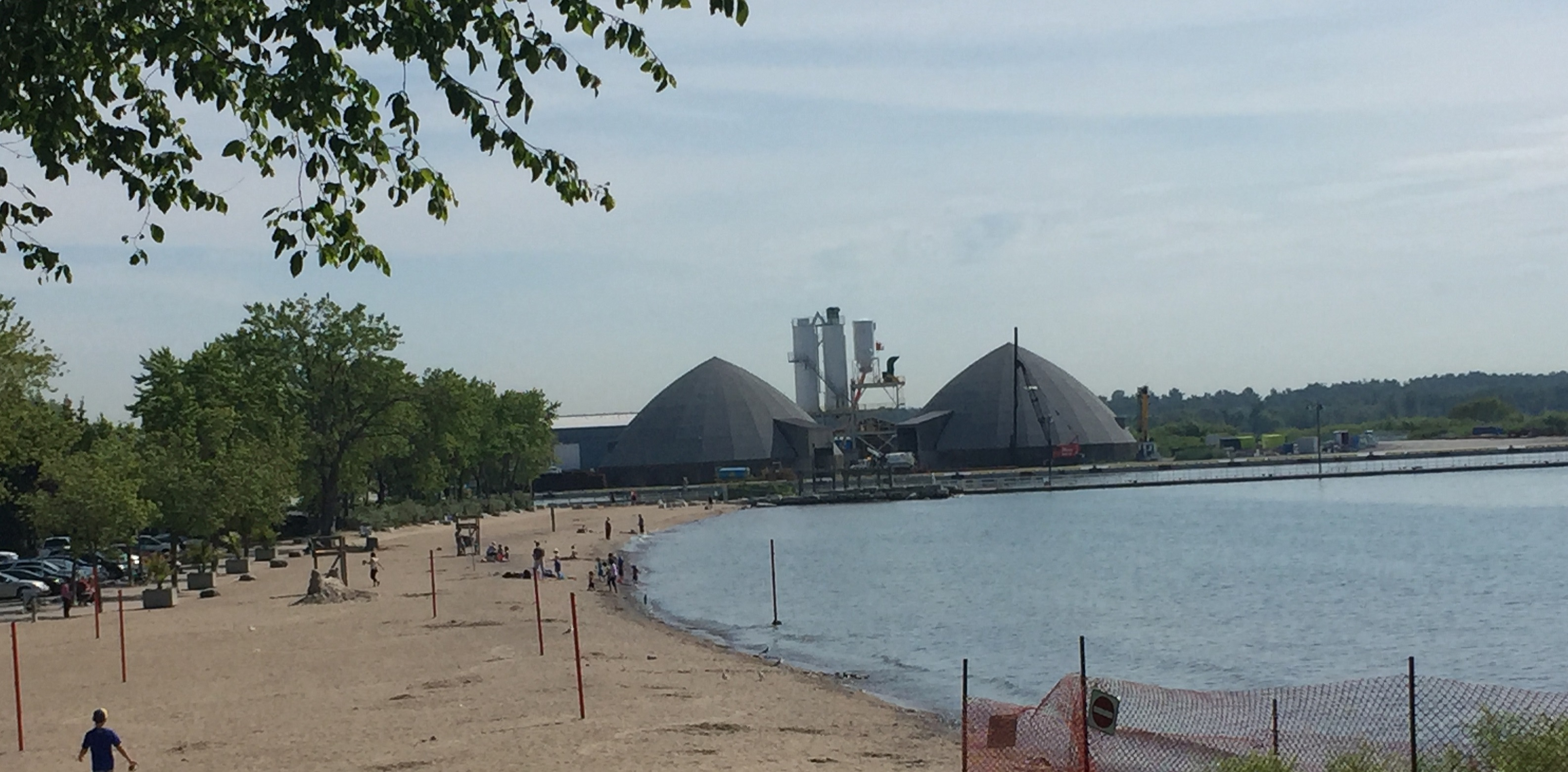 Durham police called to Lakeview Park in Oshawa after objects spotted floating in Lake Ontario
