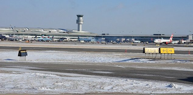 Report finds runway setup at Pearson airport poses serious